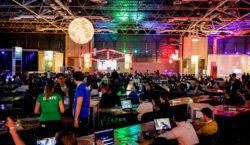 Giovani digitali in tenda per il Campus Party di Milano