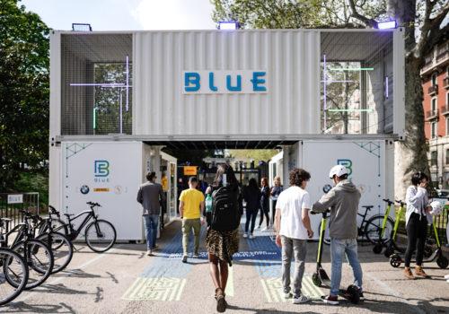 Mobilità elettrica ed energia green al Fuorisalone: pit stop alla fermata della Metro 1 di Porta Venezia