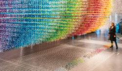 Colori e forme per segnare il tempo. Emmanuelle Moureaux con…