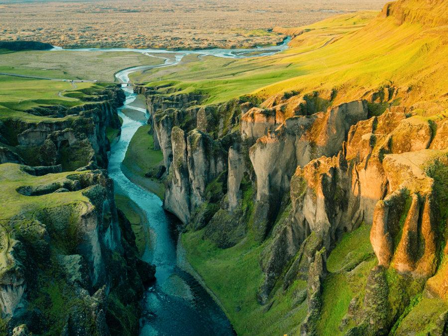 Iceland addicted. Con la fotografia di viaggio, il meglio dell'isola di vulcani e geyser