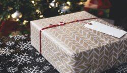 Guida per un Natale solidale, senza rinunciare ai doni più…