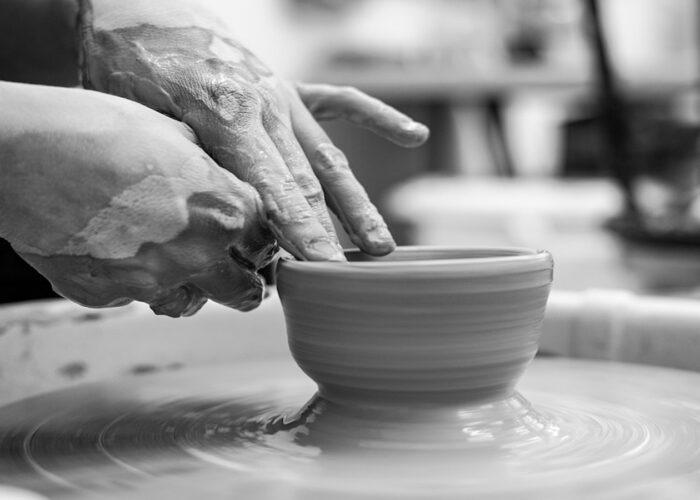 Design, weaving and ceramic for a new Sardinian story