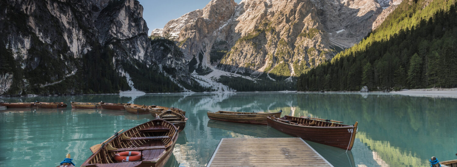 Alpine architecture in Alto Adige between the flavours and landscapes of the Dolomites