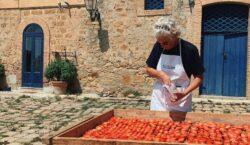 Nel cuore della Sicilia, una scuola di cucina tradizionale aperta…