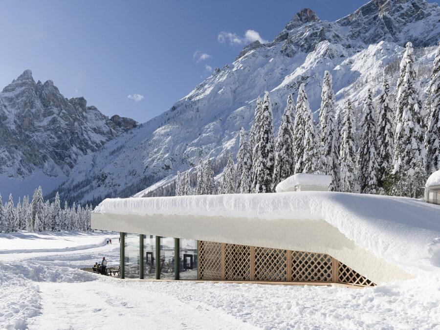 La merenda dell'alpinista in un bistrot d'autore, con vista sulle Dolomiti